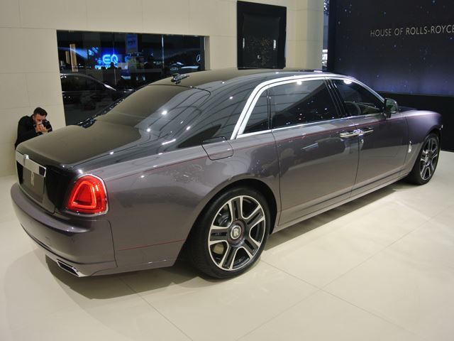Here S The Rolls Royce Ghost Made By Sacrificing 1 000 Diamonds